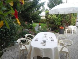 terrasse restaurant le logis à brionne